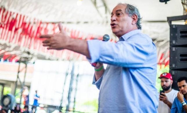 Ciro bate boca com petistas em Salvador