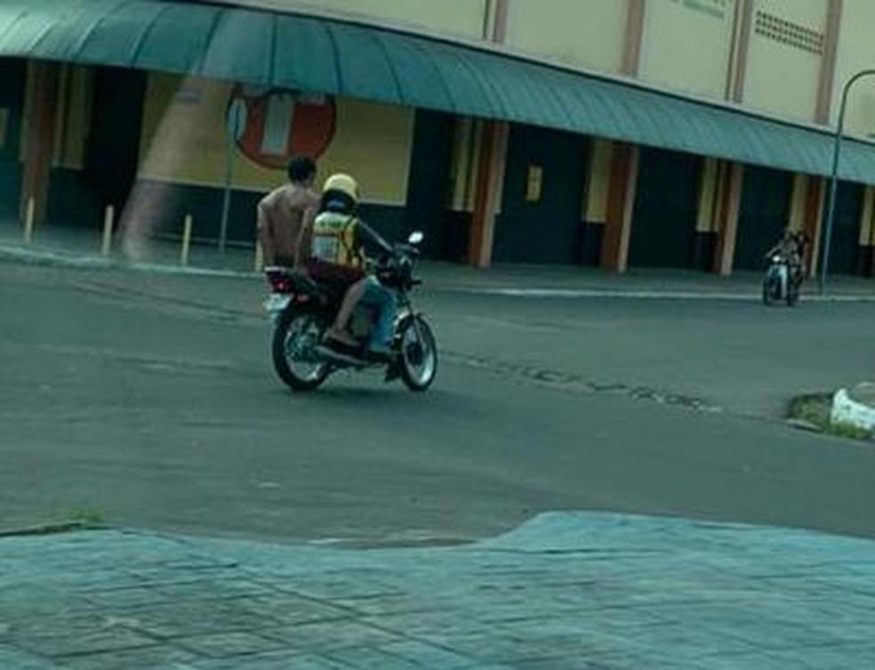Após fuga de hospital, paciente com coronavírus subiu em mototáxi — Foto: Reprodução