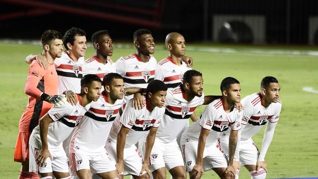 São Paulo posado para jogo contra o Santos
