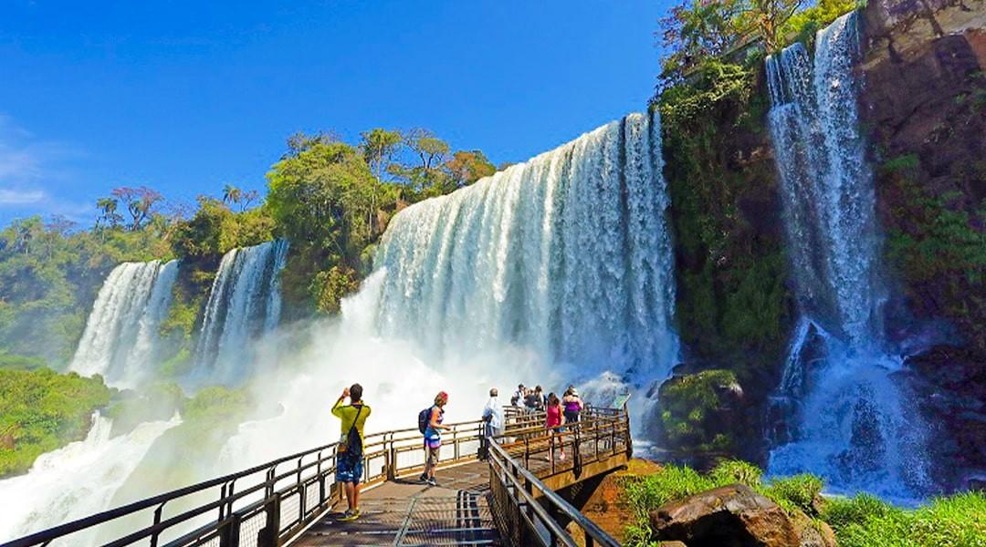 Foz do Iguaçu comemora reabertura da Fronteira com a Argentina