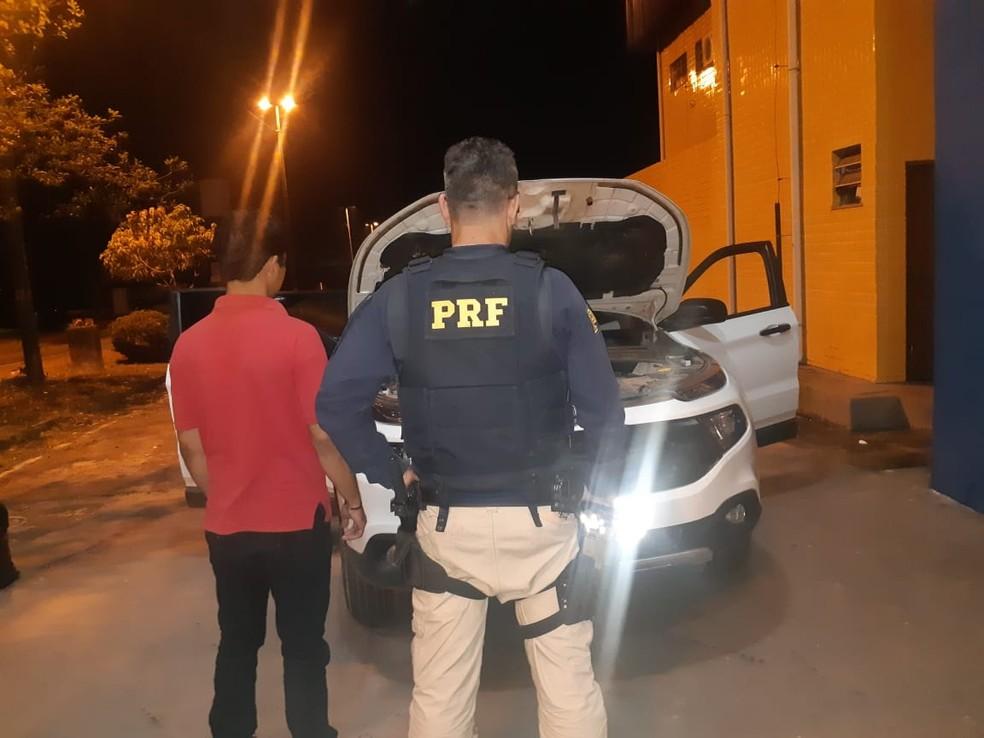 Polícia Rodoviária apreende veículo roubado na BR-135 em São Luís — Foto: Divulgação/Polícia Rodoviária Federal