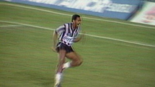 E se tivesse VAR? GE reúne lances polêmicos de finais do Carioca e ex-árbitros analisam