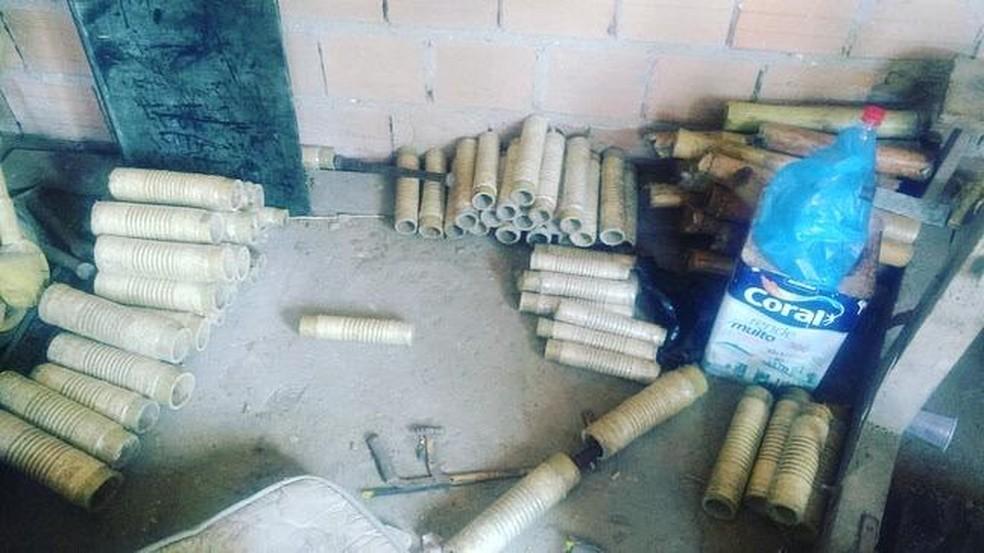 Foram apreendidas 118 espadas prontas para utilização — Foto: Divulgação/SSP-BA