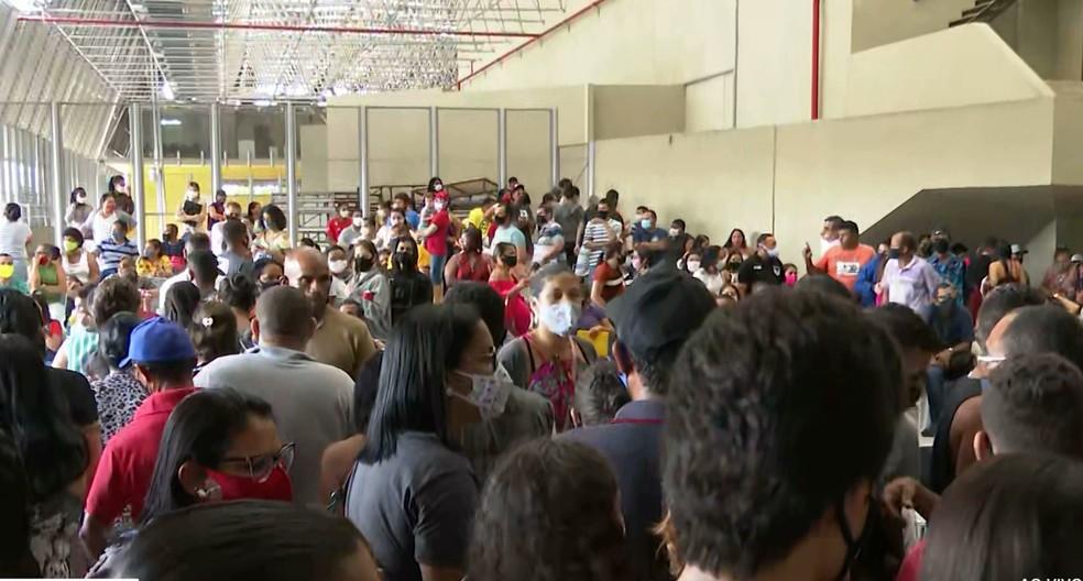 Número de pessoas que foram ao primeiro dia de mutirão em João Pessoa foi bem acima do esperado — Foto: TV Cabo Branco/Reprodução