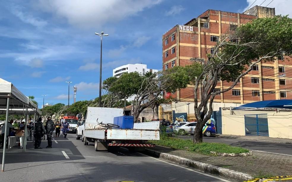 Reintegração na Avenida Ivo do Prado — Foto: Priscilla Bitencourt/TV Sergipe