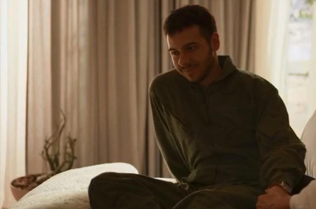 Antonio Benício é Vinícius em 'Amor de mãe' (Foto: Reprodução)