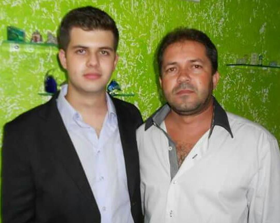 Guilherme e o pai Jario, antes do acidente— Foto: Arquivo Pessoal