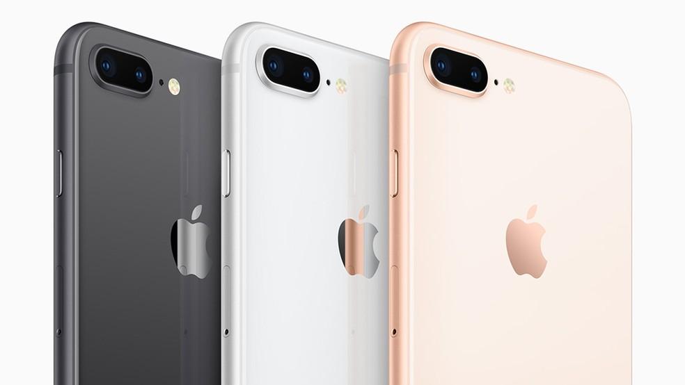 iPhone 8 Plus (foto) e iPhone 8 agora são feitos inteiros de vidro (Foto: Divulgação)