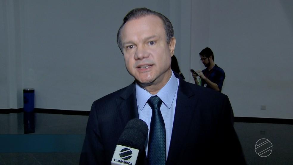 Candidato se reúne com deputados estaduais em Cuiabá (Foto: TVCA/Reprodução)