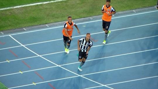 A volta por cima de Luis Ricardo: de quase não inscrito a camisa 10 na Libertadores