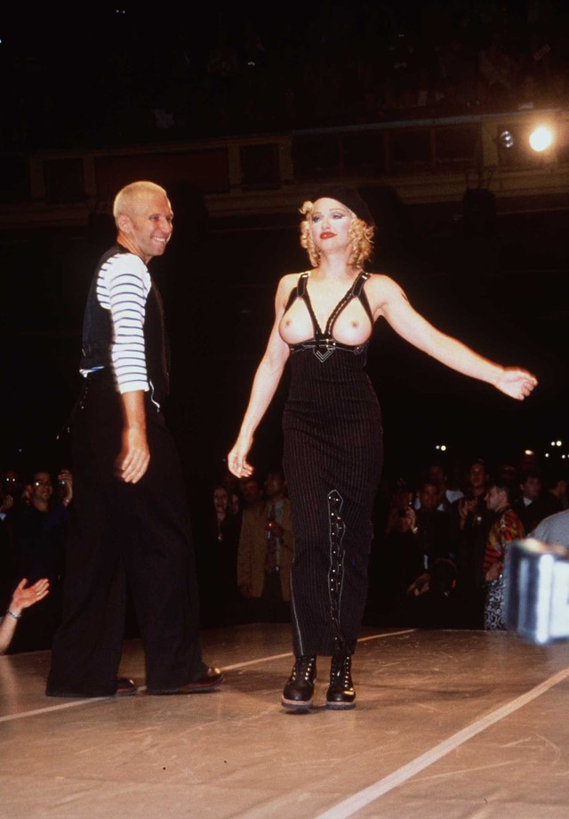 Madonna e Jean Paul Gaultier em 1992 (Foto: Getty Images)