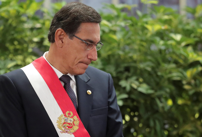 Congresso do Peru retoma votação do impeachment do presidente Martín Vizcarra após breve suspensão