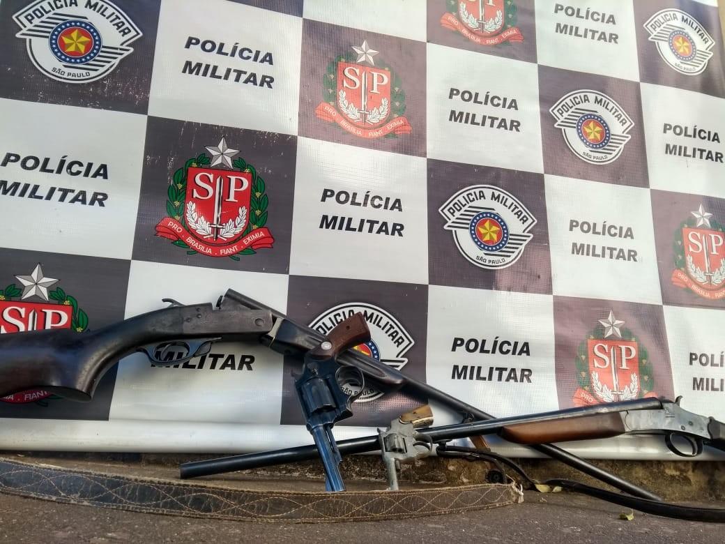 Polícia Ambiental apreende armas de fogo, munições, carapaças de animais e armadilhas de caça em propriedade rural - Notícias - Plantão Diário