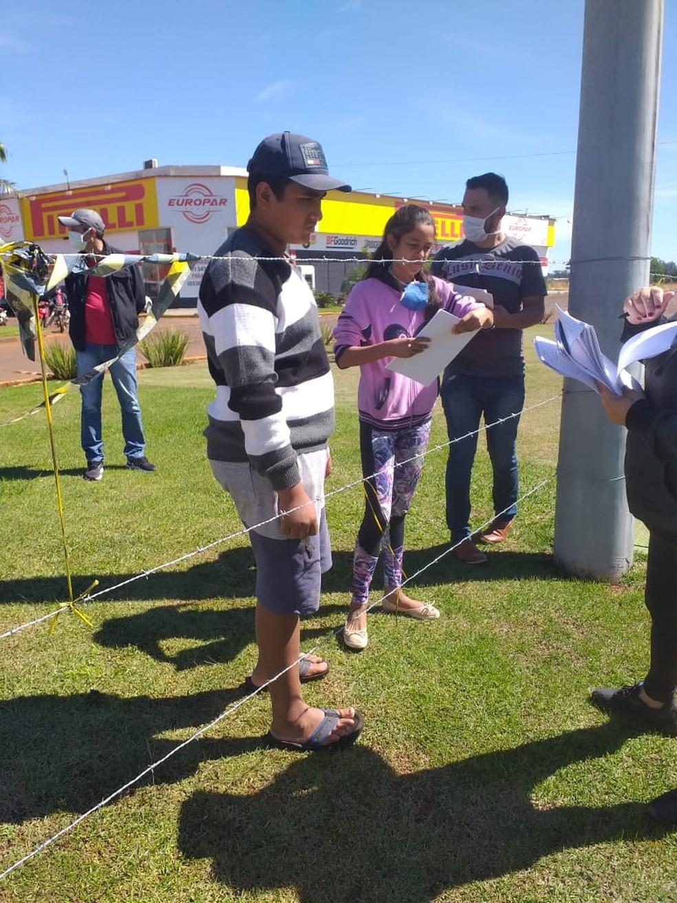 Alunos paraguaios que estudam no brasil recebem atividades em período de quarentena.  Foto: Tânia Loureiro/Arquivo Pessoal