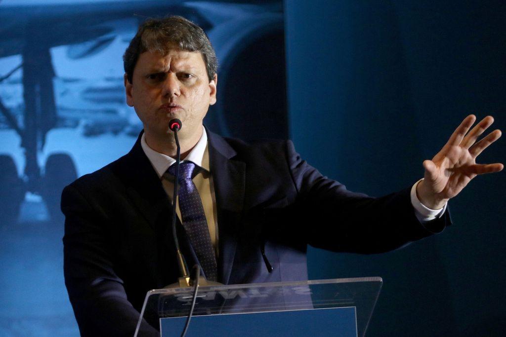 Governo avalia possível fusão de Infraero, Valec e EPL, diz ministro da Infraestrutura