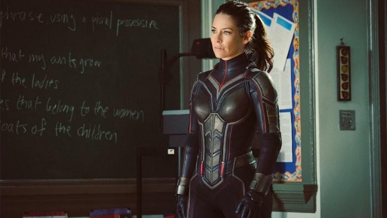 A atriz Evangeline Lilly com o uniforme da heroína Vespa (Foto: Divulgação)