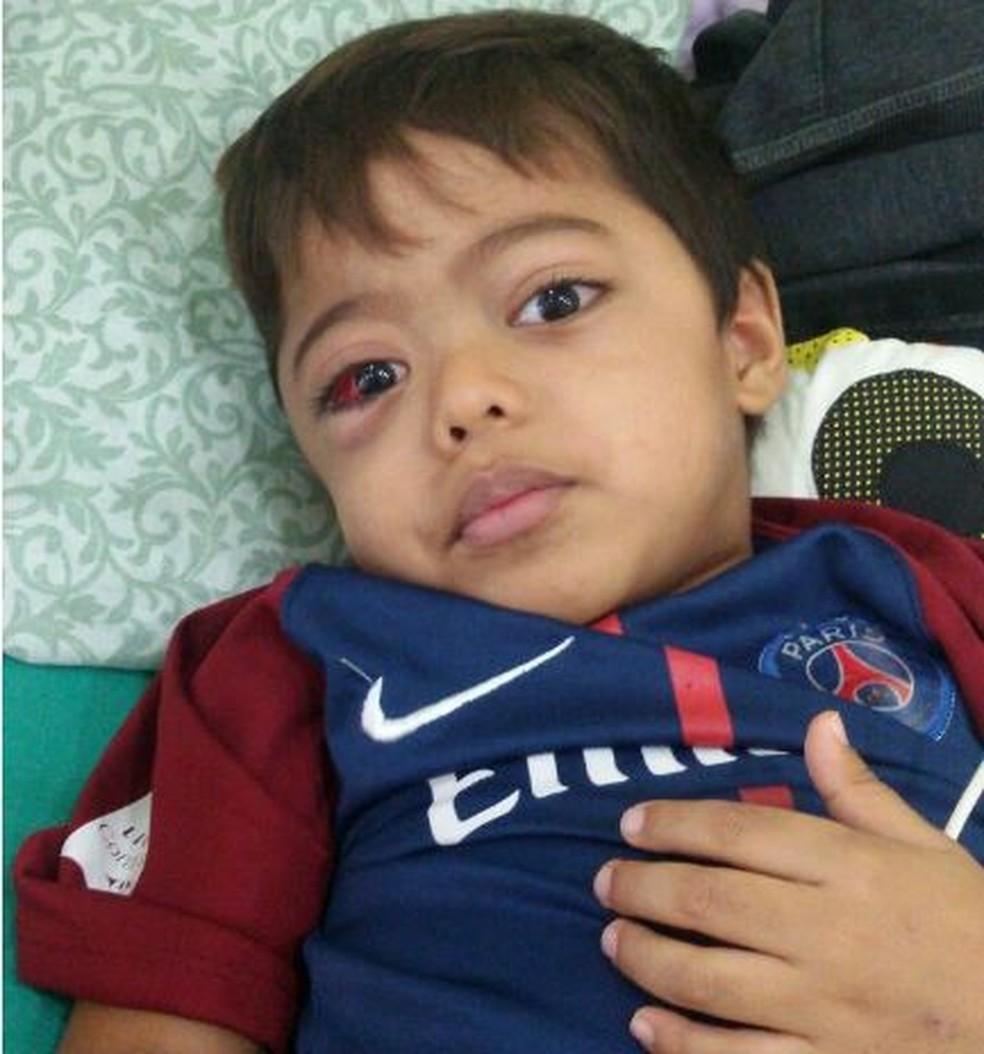 Médicos suspeitam que o garoto de 4 anos tenha leucemia rara (Foto: Arquivo da família )