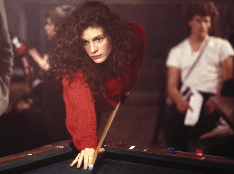 A atriz Julia Roberts aos 21 anos, em cena de 'Três Mulheres, Três Amores' (1988) (Foto: Reprodução)