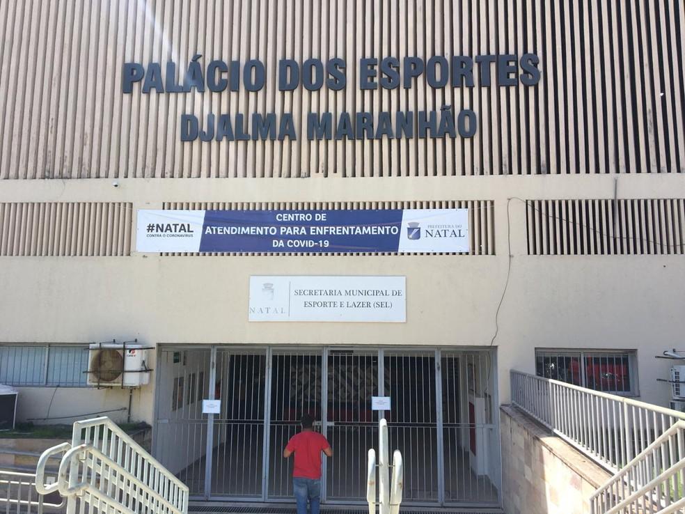Palácio dos Esportes sedia terceiro Centro de Atendimento para Enfrentamento à Covid-19 de Natal — Foto: Quézia Oliveira/Inter TV Cabugi