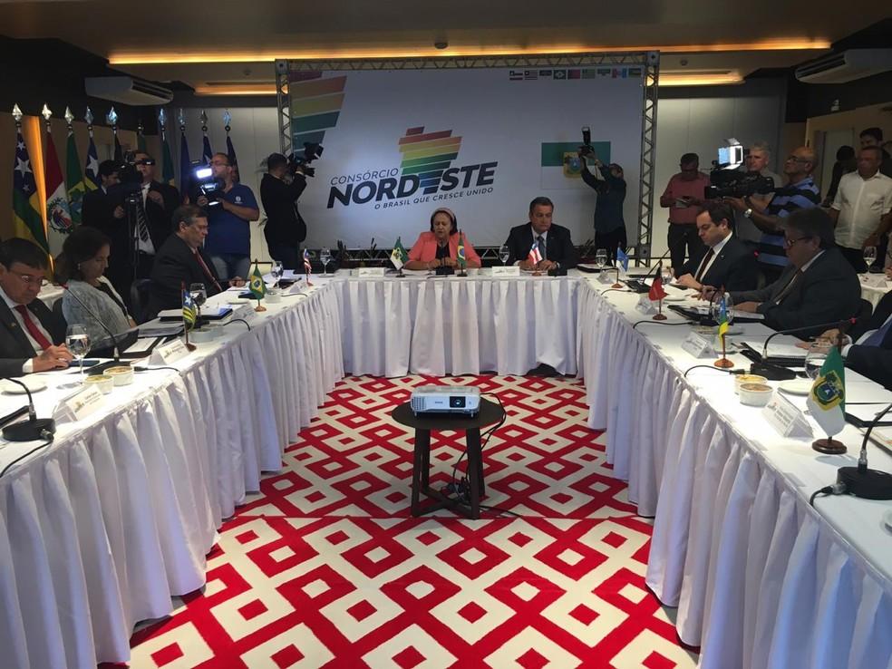 Reunião do Consórcio Interestadual de Desenvolvimento Sustentável do Nordeste aconteceu nesta segunda (16) em Natal — Foto: Heloísa Guimarães/Inter TV Cabugi