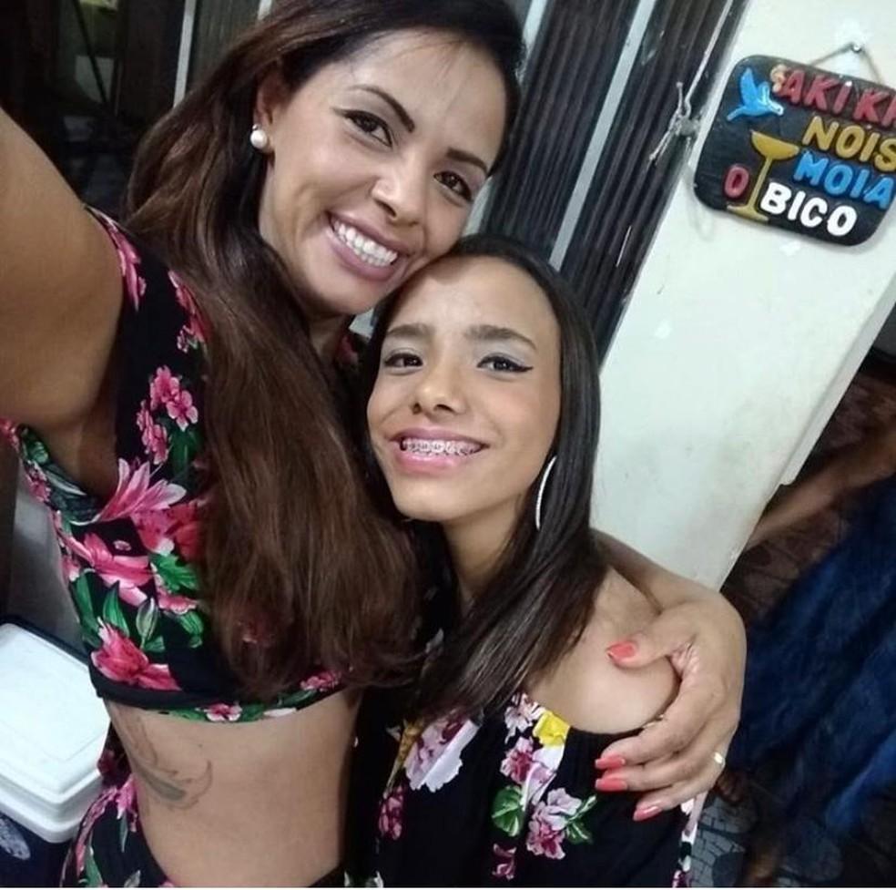 Maritza e a filha Ana Carolina foram mortas a tiros; delegado que era o marido de Maritza é o suspeito do crime — Foto: Arquivo pessoal