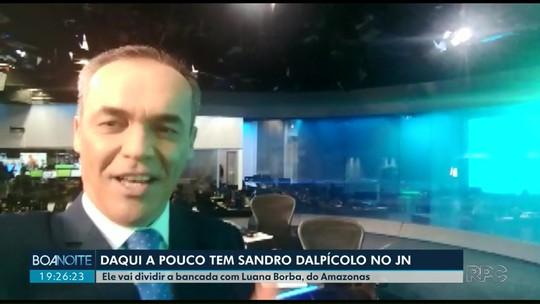 Sandro Dalpícolo se prepara para apresentar o Jornal Nacional