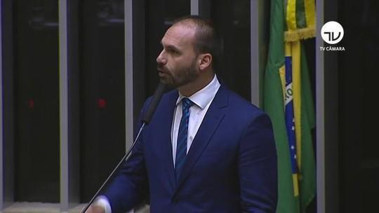 Eduardo Bolsonaro desiste de indicação para embaixada americana