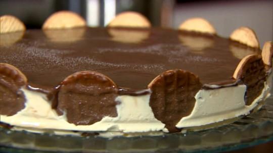 Aprenda a fazer uma torta holandesa com a inventora da receita