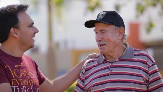 Reveja: Mário conhece história de senhor que varre as ruas e limpa as praças de Araguari