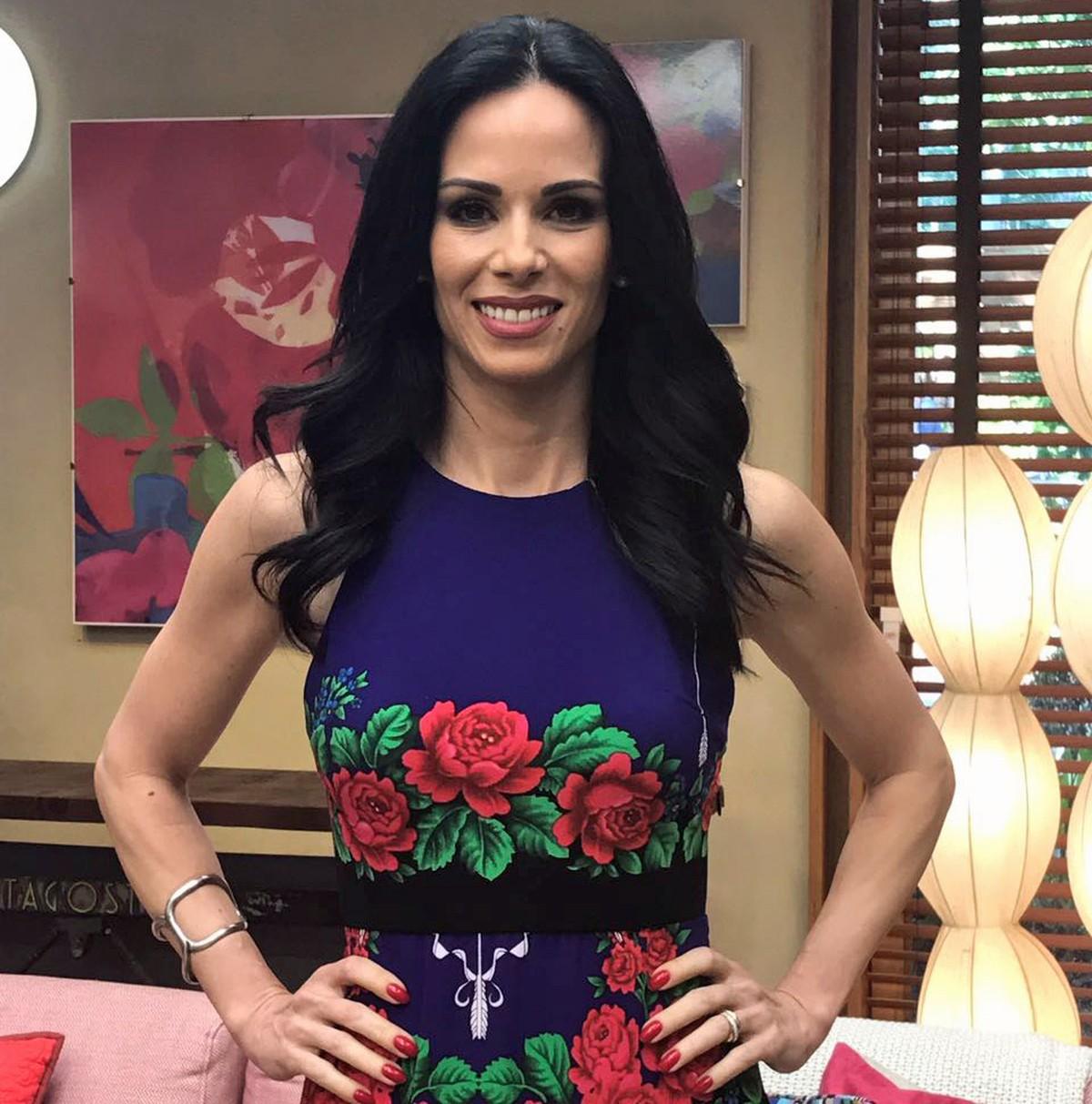 7f8c0b2ab Ana Furtado aposta em vestido floral para o 'É de Casa' | Roupas | Gshow