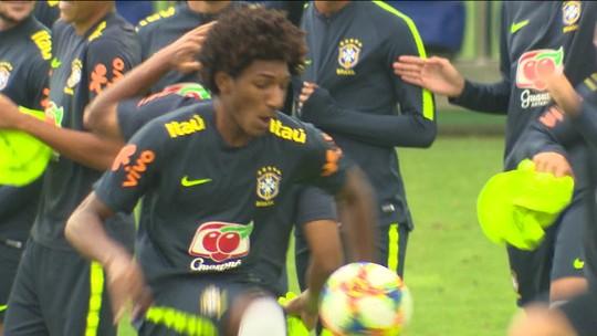 Estrelas e alunos: com multas milionárias, jovens aliam estudos e treinos para Mundial Sub-17