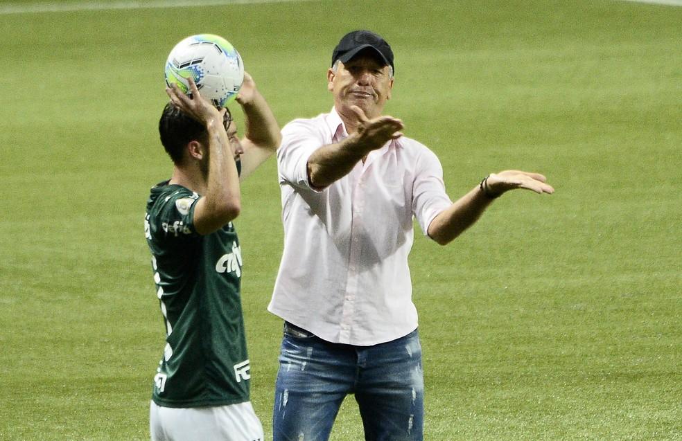 Renato Portaluppi em Palmeiras x Grêmio — Foto: Marcos Ribolli/ge