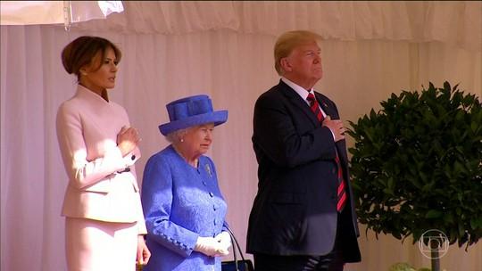 Trump baixa o tom com Theresa May em seu segundo dia no Reino Unido