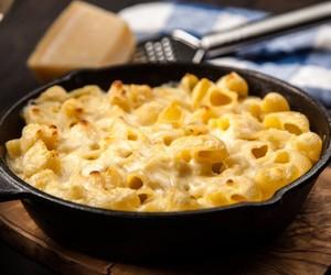 Como fazer macarrão com queijo,  o famoso mac and cheese