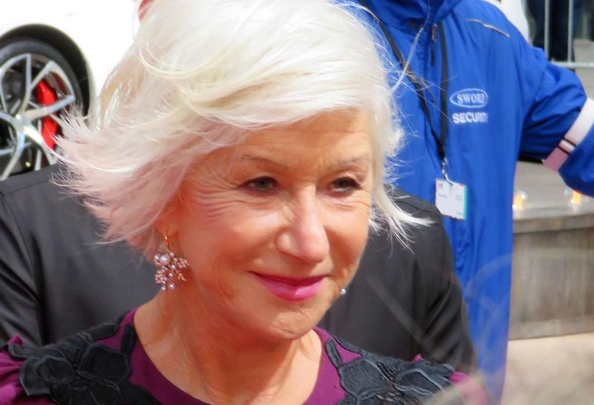 A invisibilidade da mulher mais velha   Blog Longevidade