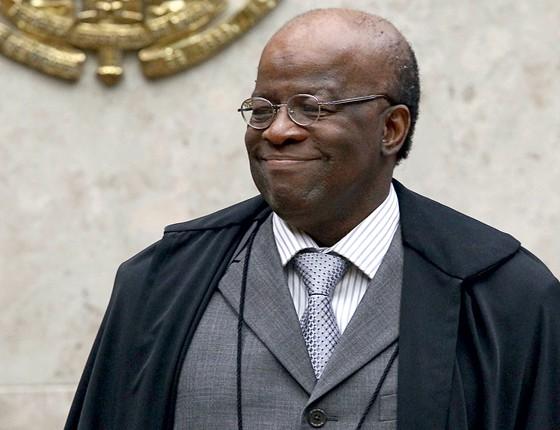 RIGOR O ministro  Joaquim Barbosa. O julgamento seria diferente sem  ele, formado na severa cultura jurídica americana (Foto: Pedro Ladeira/Folhapress)
