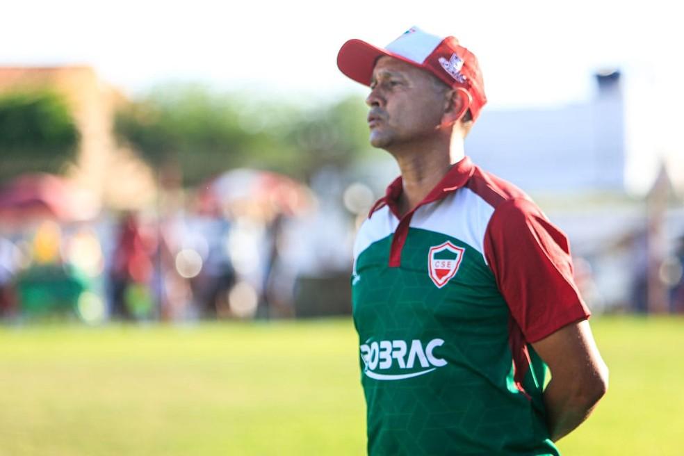 Jaelson Marcelino ainda não definiu a defesa para o jogo contra o CSA — Foto: Ailton Cruz/Gazeta de Alagoas
