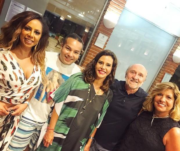 Netinho Alves com Valéria Valenssa, Hans Donner e Narcisa Tamborindeguy (Foto: Arquivo pessoal)