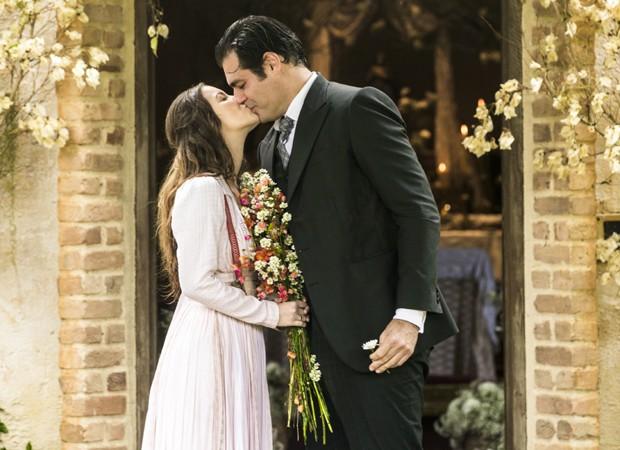 Nathalia Dill e Thiago Lacerda gravam cenas de casamento em  Orgulho e Paixão (Foto: João Miguel Júnior/TV Globo)