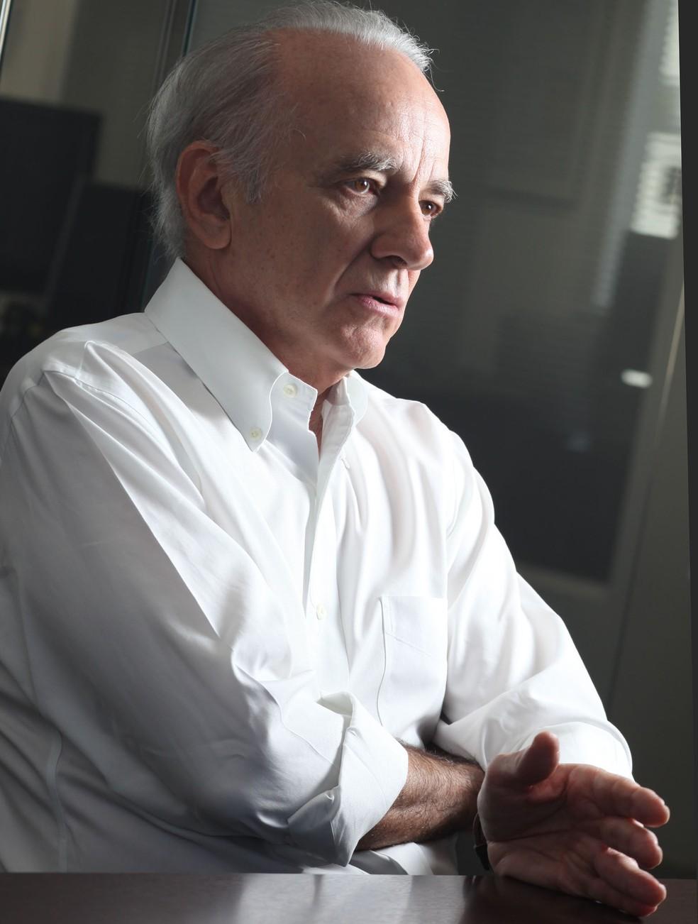 """O economista André Lara Resende lança o livro """"Consenso e Contrassenso: Por uma Economia Não Dogmática"""" — Foto: Silvia Zamboni/Valor"""