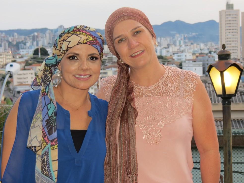 Nádia Bueno e amiga Neide Tôrres, do projeto 'A Vida é Bela'  — Foto: Áurea Andrade