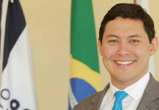 Helton Yomura, ministro interino do Trabalho (Foto: Divulgação/Facebook)