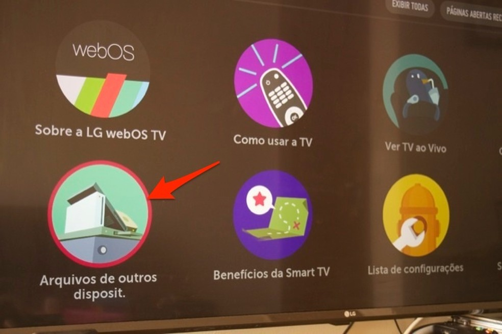 Ação para ver dicas sobre como acessar arquivos de outros dispositivos conectados em uma smart TV da LG — Foto: Reprodução/Marvin Costa