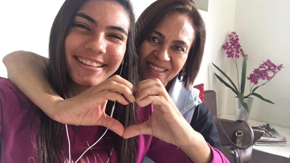 Mãe de Gabi tem uma doença que impede que o organismo dela absorva nutrientes dos alimentos — Foto: Gabriela Paola Santos Cunha/Arquivo pessoal