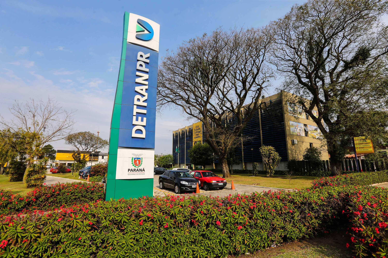 Onze pessoas são denunciadas em operação que apura fraudes no credenciamento de empresas pelo Detran-PR