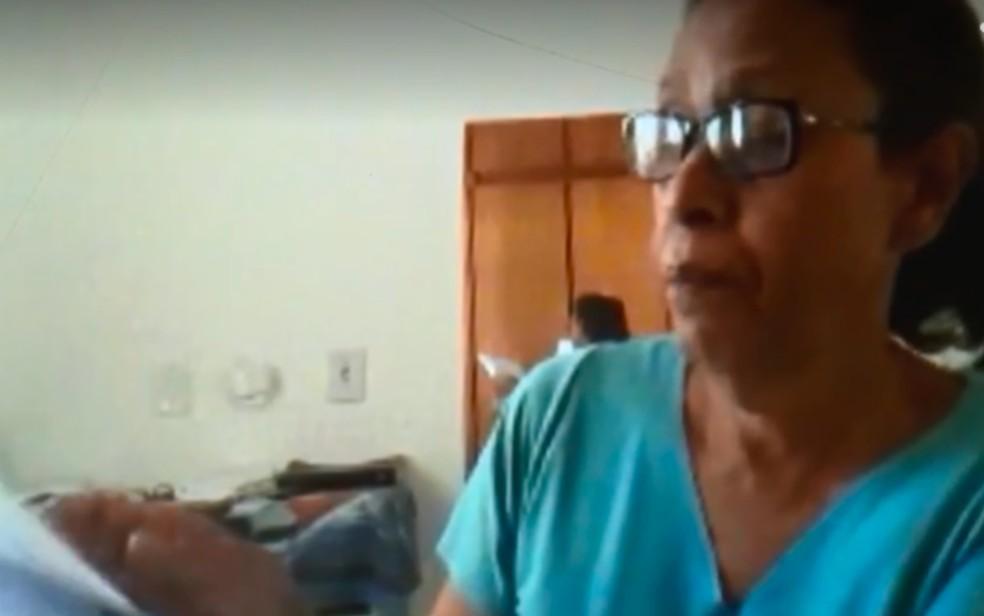 Aposentada Lázara Soares, de 66 anos, testa positivo três vezes para a Covid-19, em Goiânia  — Foto: Reprodução\TV Anhanguera