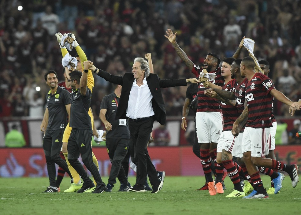 Multa de Jorge Jesus diminui muito na virada do ano. Flamengo tenta garanti-lo ao menos até fim de 2020 — Foto: André Durão