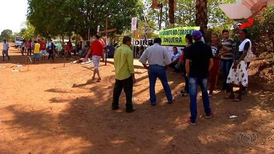 Agricultores protestam em acampamento na frente do Incra de Palmas
