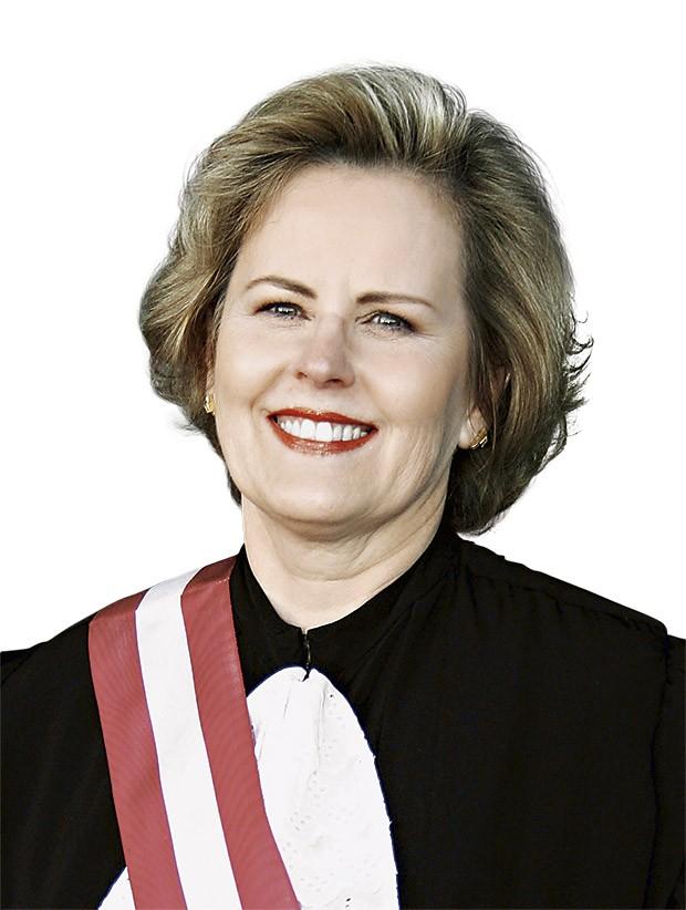 Rosa Weber Quem é: Juiza gaúcha, 69 anos,  ministra do STF e do TSE. Por que falarão dela Ocupa a vice-presidência do TSE e deverá estar no comando do órgão em outubro, quando acontecerão as eleições. Ou seja: todo o rito estará sob seu comando. Construiu carreira de sucesso como juíza do trabalho (Foto: Thinkstock, Jorge Willians, Divulgaççao)