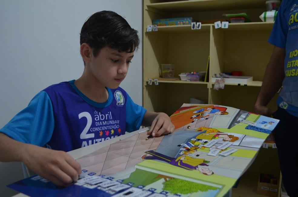 Cerca de 45 crianças com autismo são atendidas na sede da AMA-AP (Foto: Fabiana Figueiredo/G1)